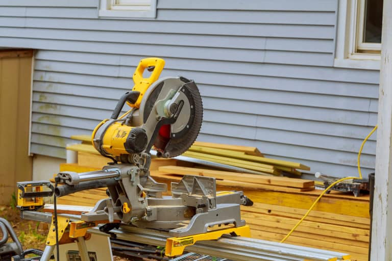 What Is The Difference Between A Compound And Sliding Miter Saw?