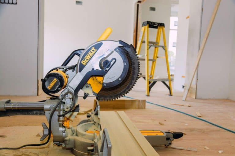 Best Sliding Compound Miter Saw of 2021: Complete Reviews With Comparisons