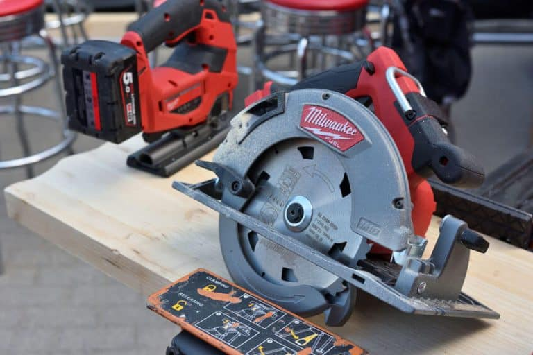 What Is a Rafter Hook on a Circular Saw?